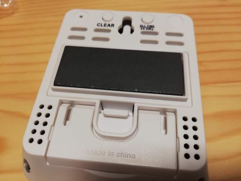 デジタル温湿度計ThermoProの裏面