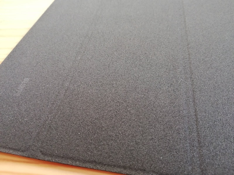 ESRのiPad Pro12.9専用ケース(マット・ブラック)のカバーの内側