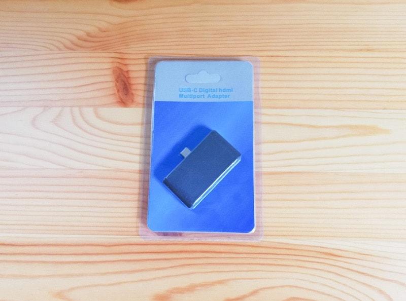 iPad Proに接続する2000円のUSB-cハブ