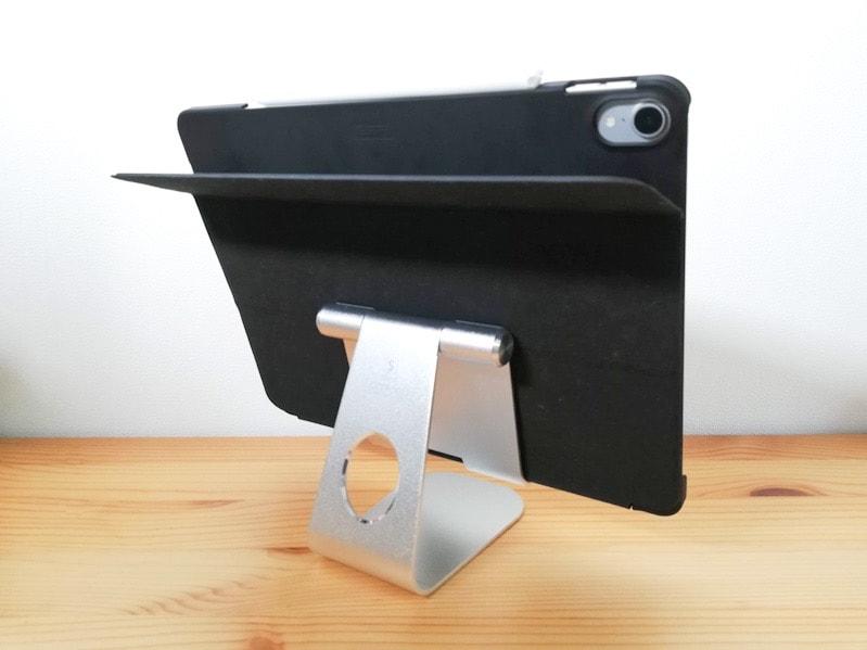 LamicallのiPad用スタンドに載せたiPad Pro12.9インチの裏側