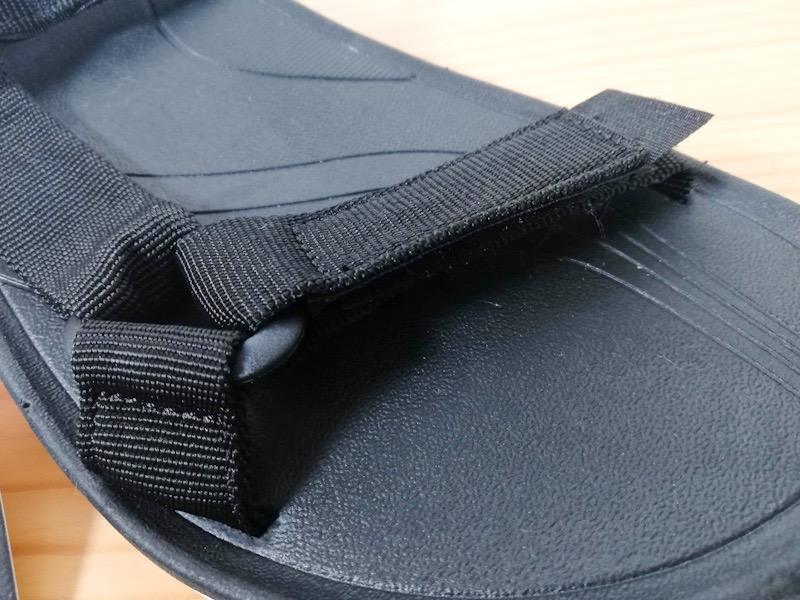 JaVaのスポーツサンダルのストラップ部分
