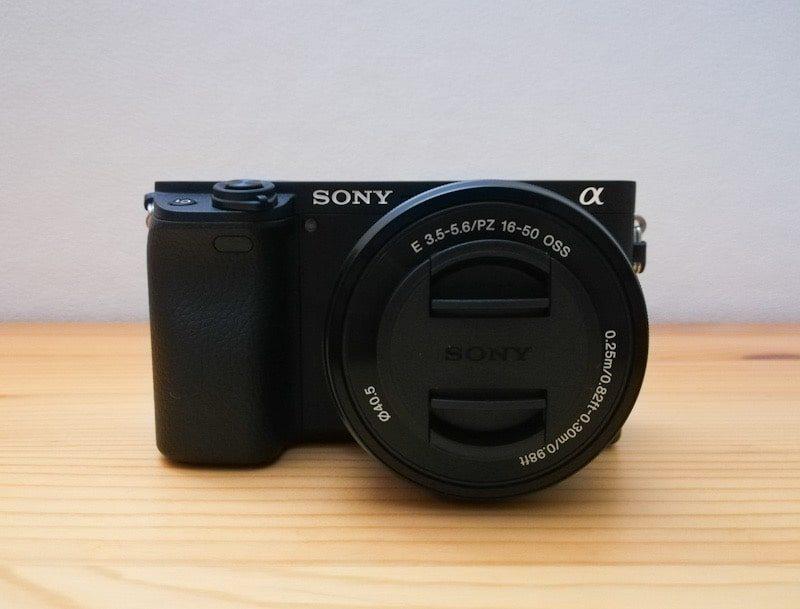α6400のボディーとパワーズームレンズE PZ 16-50mm F3.5-5.6 OSS