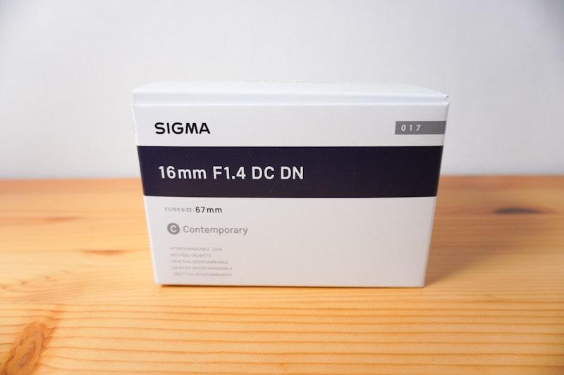 SIGMA 16mm f1.4の箱