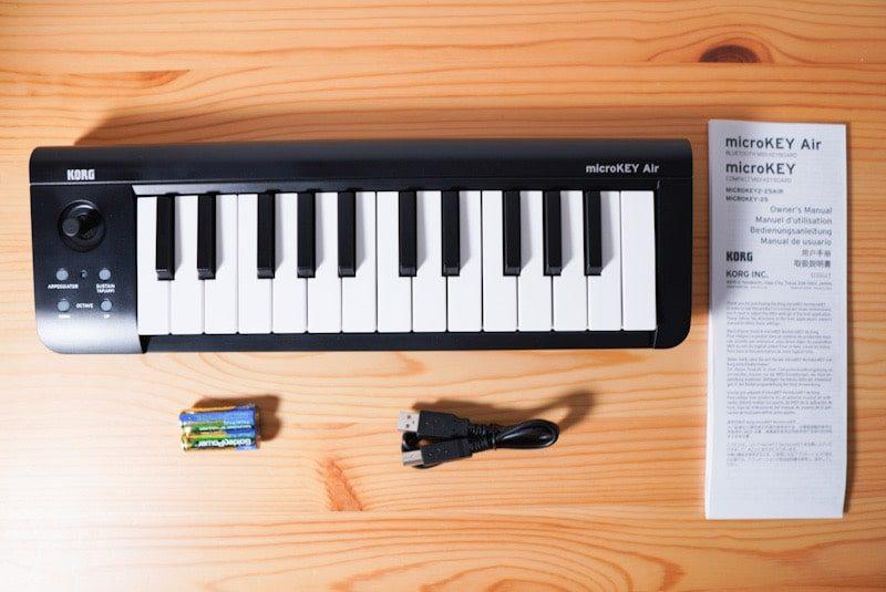 KORGのMIDIキーボード microKEY Airの内容物