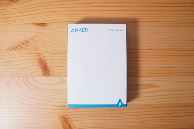 ANKERのモバイルバッテリーPowerCore Essential 20000の箱