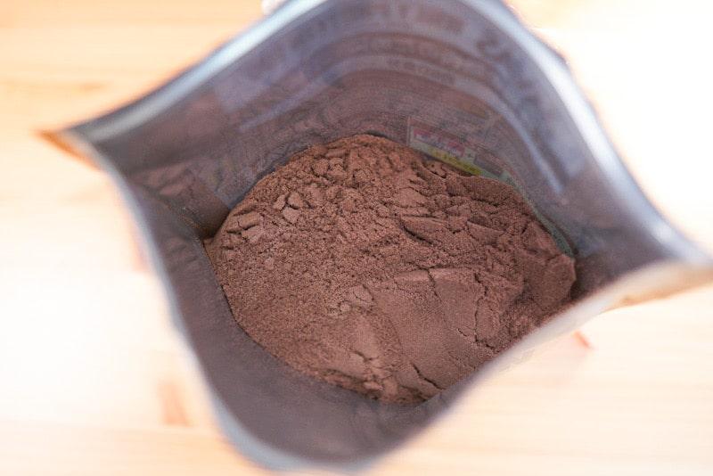 ザバスのプロテイン、リッチショコラ味のパウダー